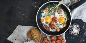 vegan-meat-seafood-flavors-Fried Eggs with Tomatoes 3